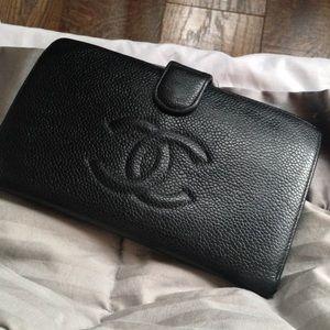 CHANEL-Caviar Lambskin Leather Bifold Snap Wallet